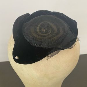 Vintage Accessories - Gene Doris Vintage Hat